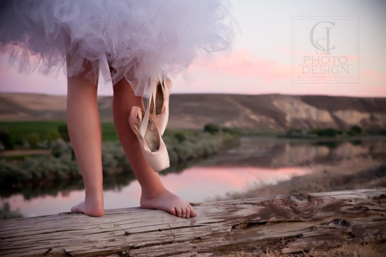 Senior girl bare feet with tutu and ballet shoes